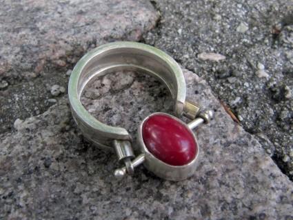 flip-ring-red
